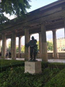 statue-berlin